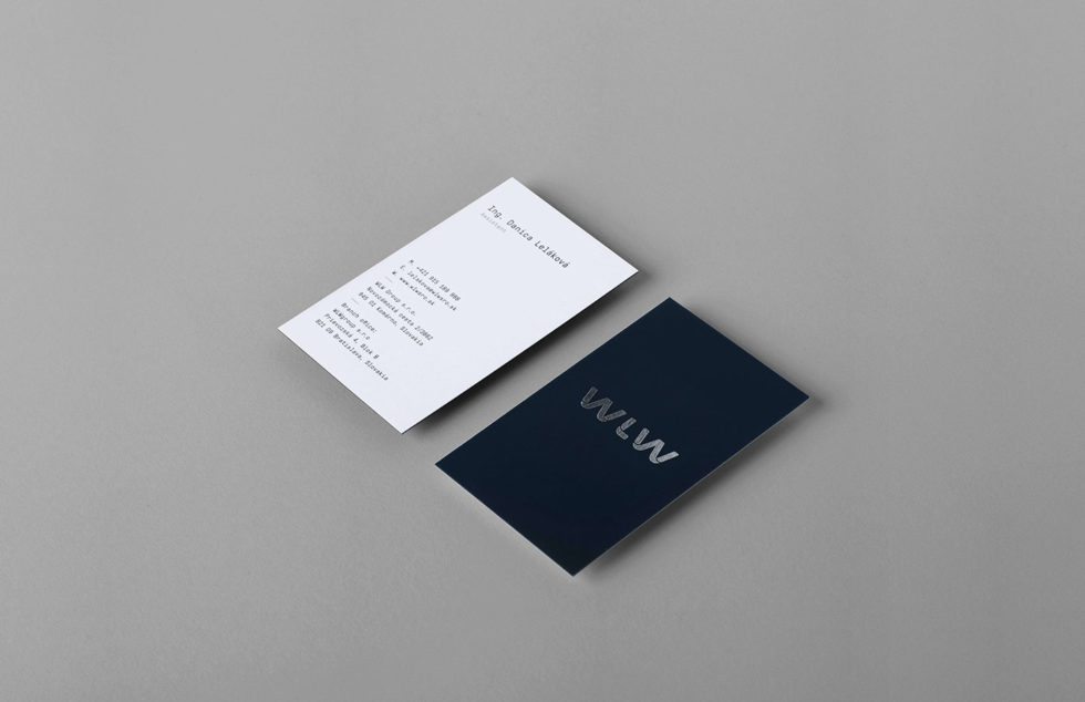 minimalistic-silver-hotstamped-business-cards-wlw-group-2