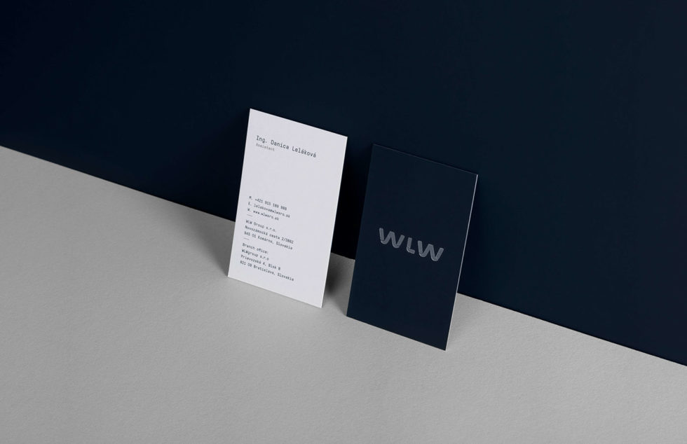 minimalistic-silver-hotstamped-business-cards-wlw-group